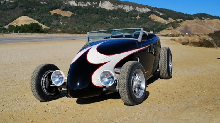 "1933 Speedstar Roadster ""Speed 33"" Track Nose ​Tapšana."