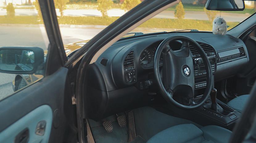 Autors: MyPlace Fanstastiska autobūves klasika, jeb BMW E36 328i