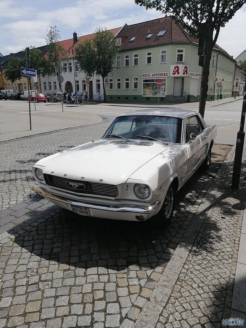 Ford Mustang  īsts skaistulis  Autors: ĶerCiet Vācijā...