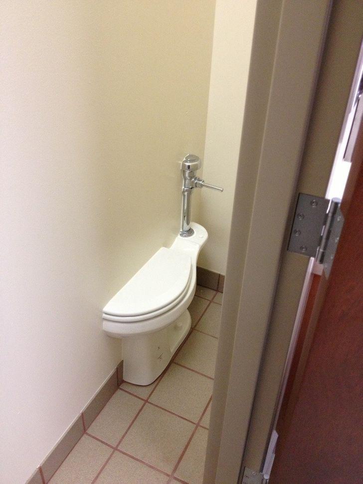 Tualetes pods divās telpās... Autors: The Diāna 23 pierādījumi tam, ka būt par inženieri nav viegli