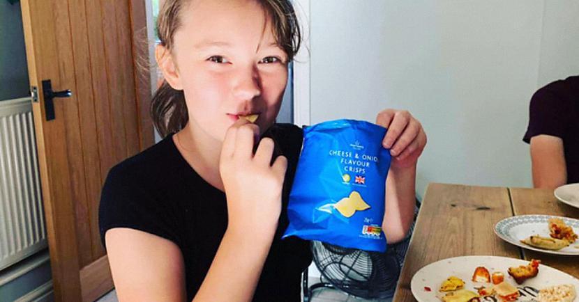 Martas vecāki atklāj ka... Autors: matilde Meitene, kura astoņus gadus ir ēdusi tikai maizi un čipsus