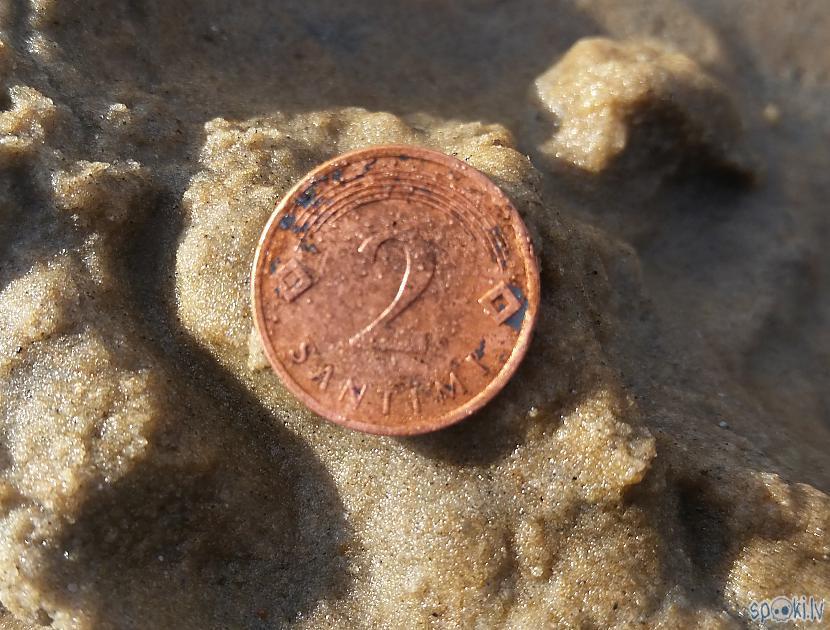Pie jūras vēl 2 santīmi... Autors: pyrathe Ar metāla detektoru pa pludmali 2020 (oktobris)