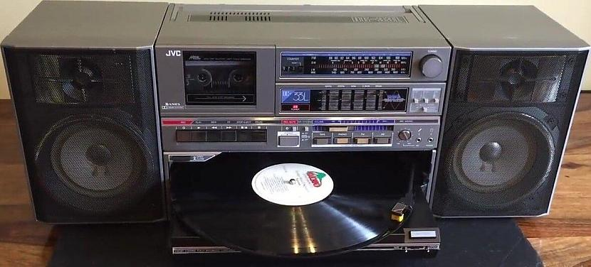 Tātad JVC būtu palicis viens... Autors: Fosilija Kāpēc JVC radioaparāti netika pārdoti Japānā