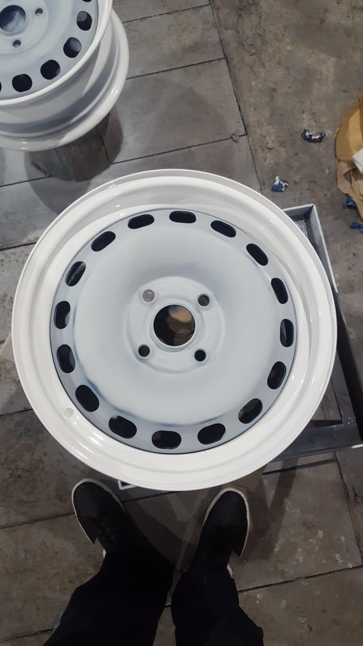 Scaronos nesmukos diskus... Autors: Edmunds.K Kā lēti sakārtot izskatu auto diskiem