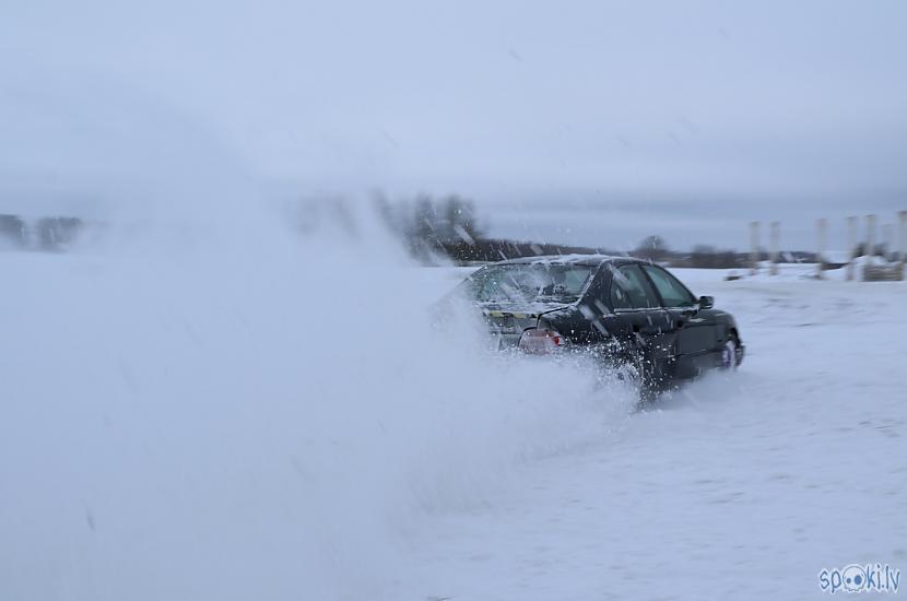Autors: MyPlace KĀRTĪGS ZIEMAS DRIFTS, jeb slīdēšana pa sniegu un ledu. Jubilejas autovlogs 10.