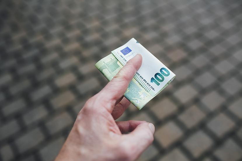Kā tev scaronķiet  vai... Autors: matilde Vīrietis Itālijā nopelnījis pusmiljonu eiro, 15 gadus nestrādājot