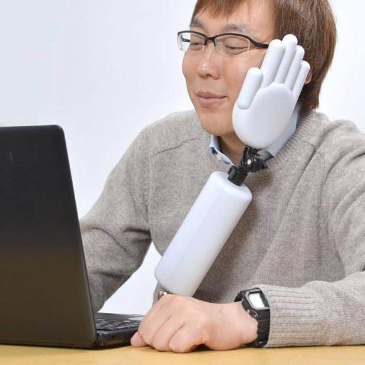 Galvas atbalsts Kad nogurums... Autors: The Diāna 20 izgudrojumi, kuri iespējami tikai Japānā