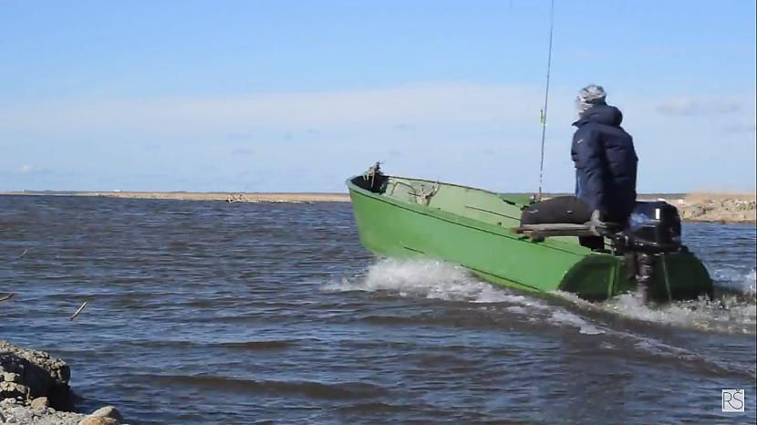 Autors: Raivo Šķuburs Līdaku sezonas atklāšana Liepājas ezerā un Bārtas upē.