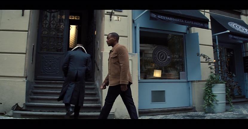 Sāksim jau ar to ka Rīgā ir... Autors: matilde Video: Rīgā ierodas slaveni supervaroņi un apmeklē kafejnīcu