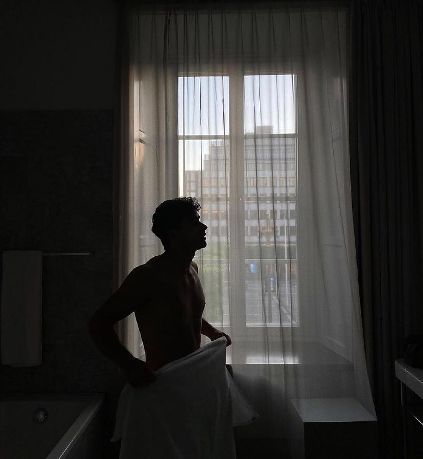 Spogulī pret mani skatījos es... Autors: Kimberliiiiii Pienenes (10)